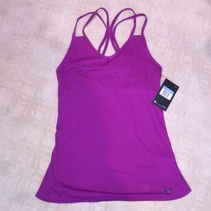 Nike women's work out top with built in bra